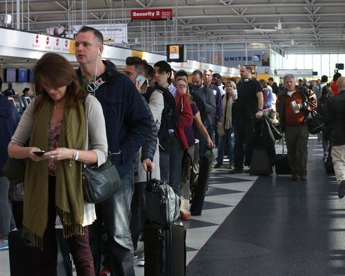 20 hacks for navigating the busiest airline hubs this holiday season