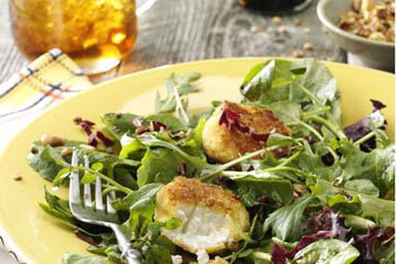 Honey Pecan and Goat Cheese Salad