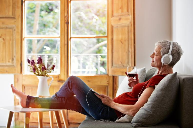 20 Reasons Why You Should Drink a Glass of Wine Every Day