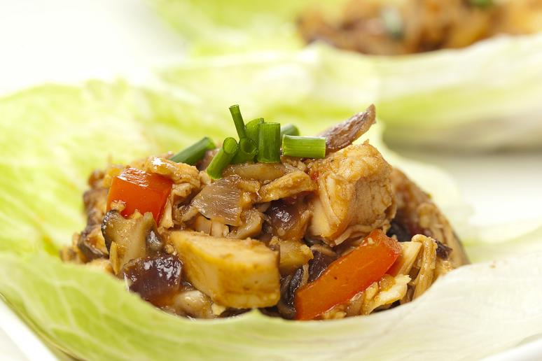 Sow Cooker Apricot Chicken Lettuce Wraps