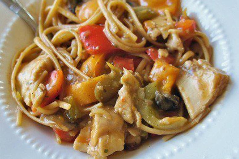 Mushroom and Bell Pepper Chicken with Linguine