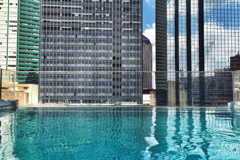 Infinity Pool at The Joule (Dallas, Texas)
