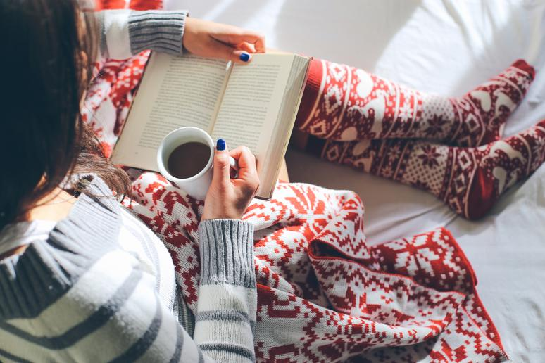 11 Tips for Surviving the Holidays All Alone