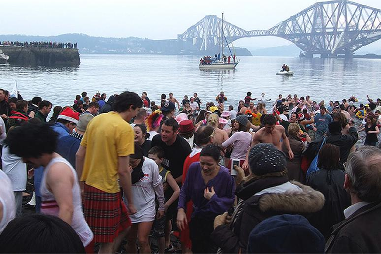 Looney Dook at Edinburgh's Firth of Forth, Scotland