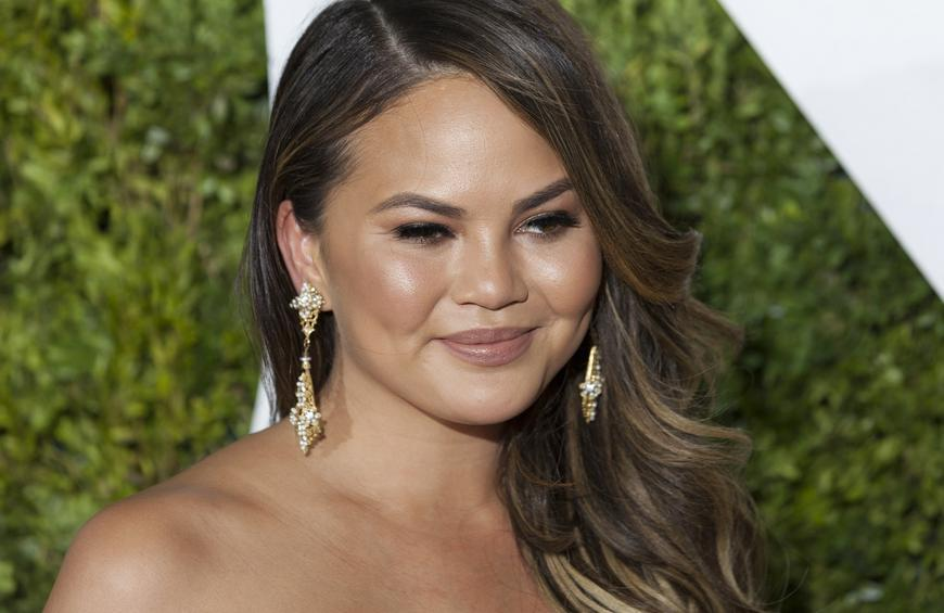 5 Reasons Everyone S Talking About Food Goddess Chrissy Teigen Right Now
