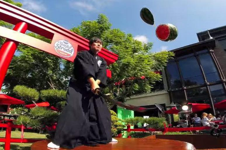 World Renowned Swordsman is a Real Life Fruit Ninja