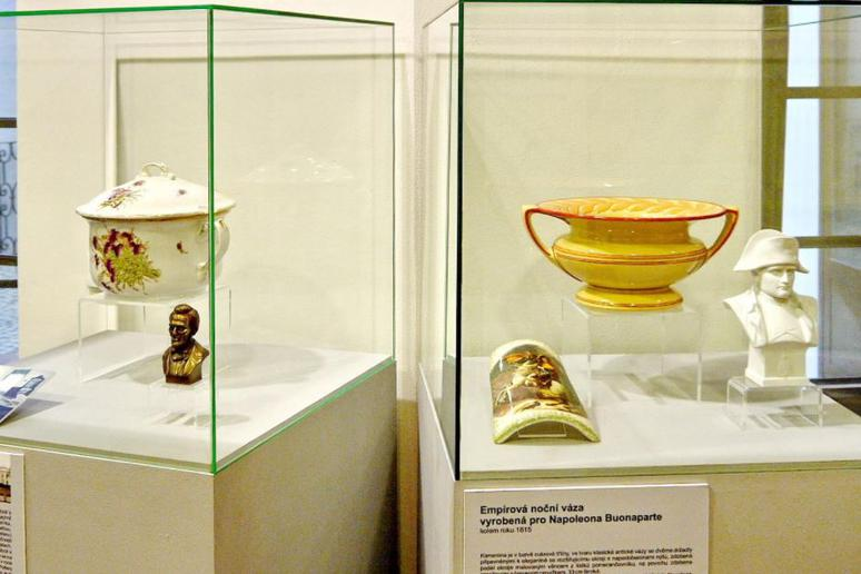 22. The Museum of Historical Chamber Pots and Toilets