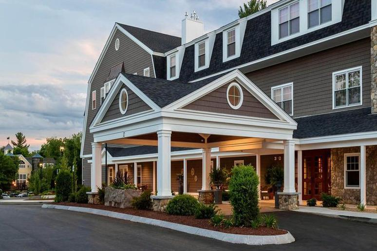 New Hampshire – Bedford Village Inn
