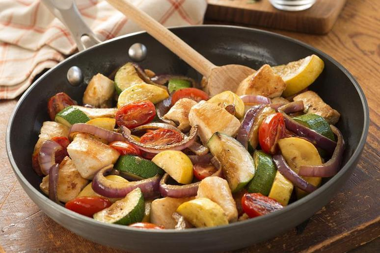 Easy Chicken Skillet One-Dish Dinner