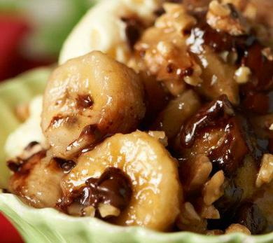 Slow-Cooker Chocolate Bananas Foster