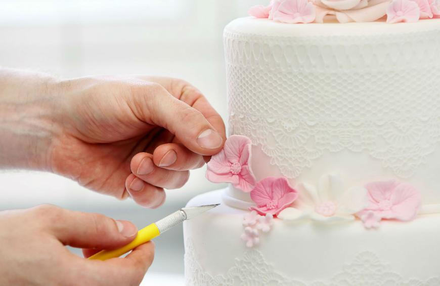 Step By Step Guide To Making Your Own Wedding Cake And Why