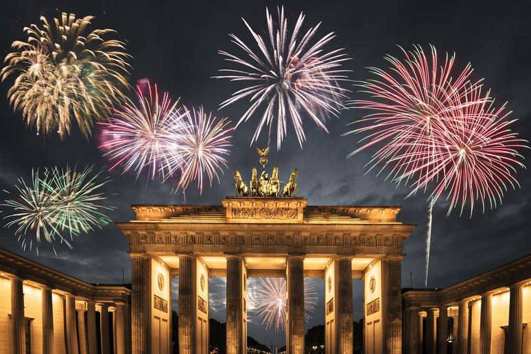 The Absolute Best NYE Fireworks Shows in the World