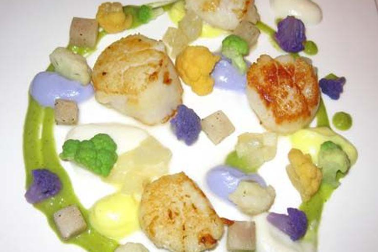 Scallops with Cauliflower and Pear
