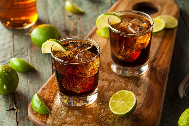 Diet soda mixed with alcohol gets you drunker than a sugary cocktail would.