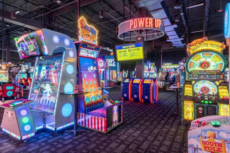 Dave & Buster's (Multiple Locations)