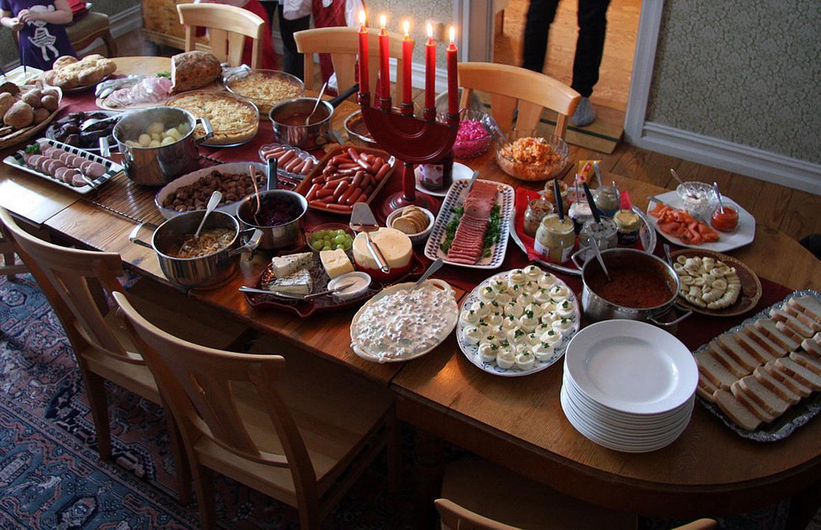 10 Traditional Christmas Foods From Around the World