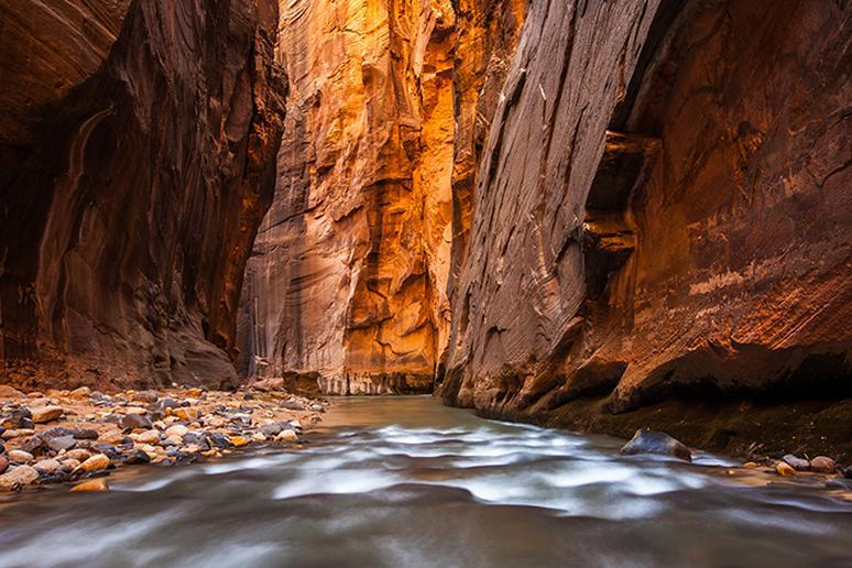 Utah – The Narrows trail in Zion Canyon