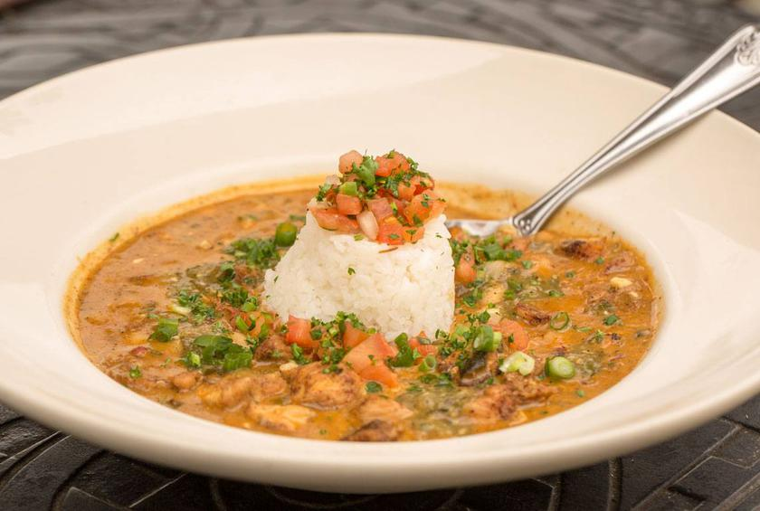 The Cheesecake Factory S Skinnylicious White Chicken Chili Recipe By Lauren Gordon