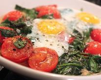 Baked Eggs with Spinach and Tomato