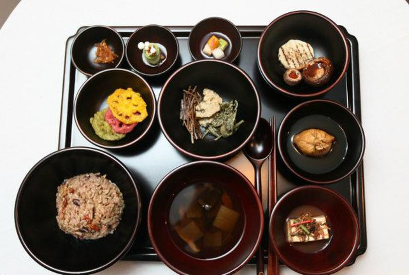 No Garlic Or Meat Eating Like A Korean Buddhist Monk