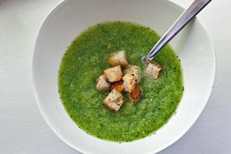 Green Gazpacho with Spicy Croutons