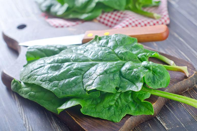 Spinach and Other Dark Leafy Greens Are Linked to Improved Sports Performance