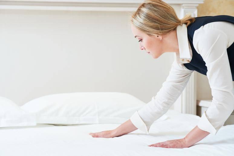 Leaving Wet Sheets on the Bed