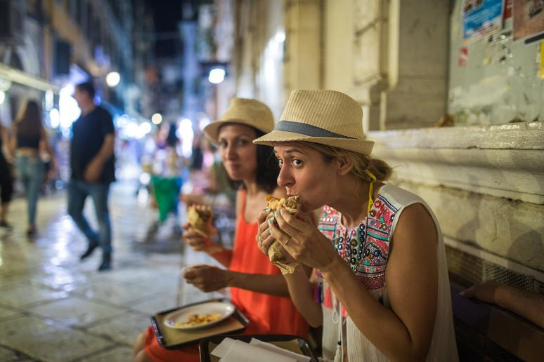 Eat a gyro in Greece