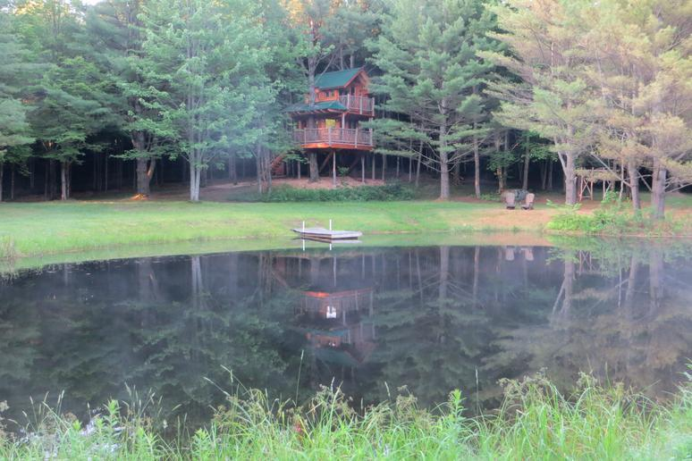 Moose Meadow Lodge (Waterbury, Vermont)