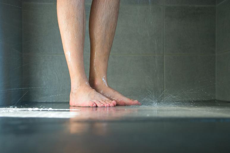Shower without flip-flops