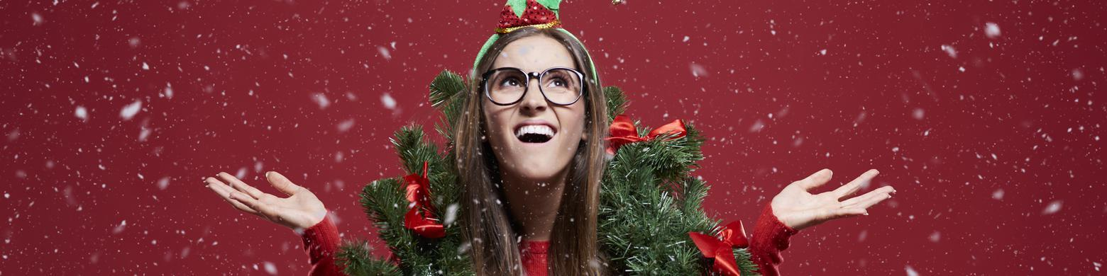 12 Signs Youre A Little Too Obsessed With Christmas