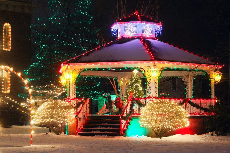 Christmas Town In Georgia Dahlonega.The Most Festive Small Towns In America