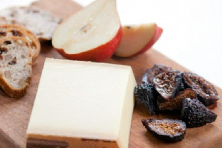 Le Gruyère Cheese Plate with Figs