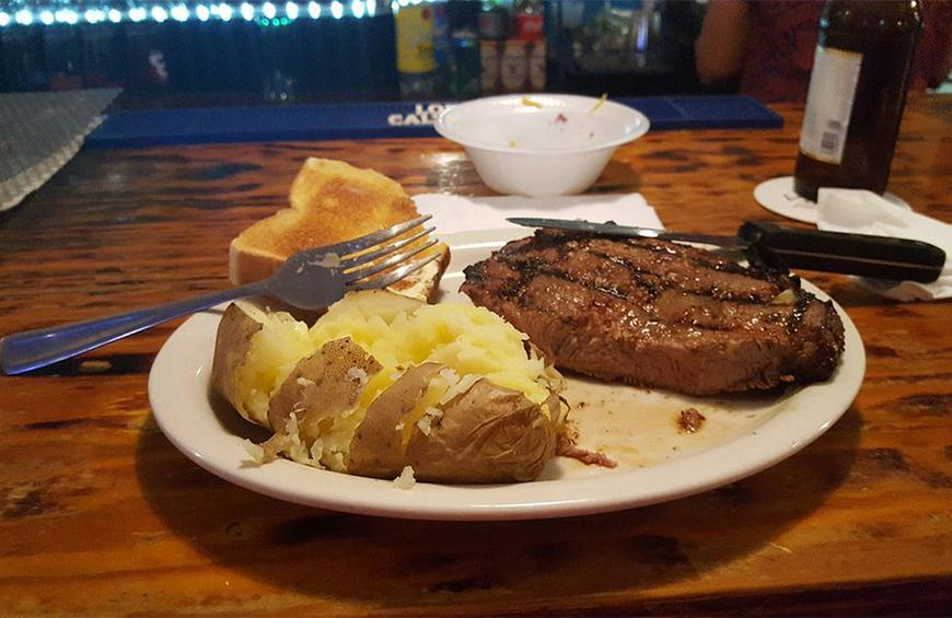 West Virginia: Doug's Topside Tavern (South Charleston)