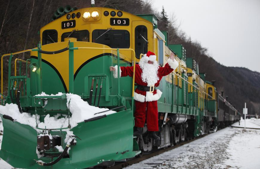 Christmas Train Wisconsin 2021 All Aboard The Best Christmas Train Rides In America The Daily Meal