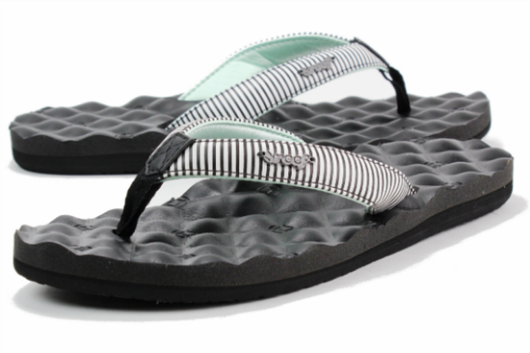 aa8ecd7fe8e 19 Best Flip-Flops and Sandals of 2013 - The Active Times