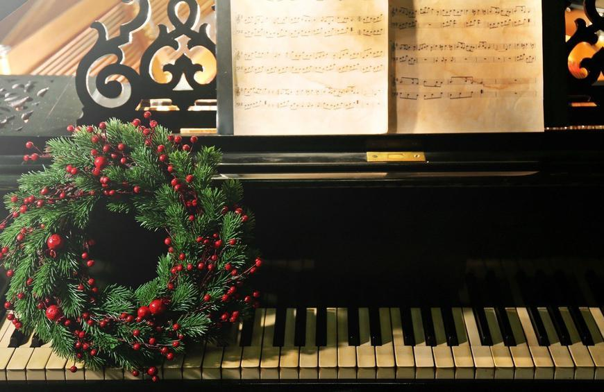 Rock Christmas Music.Your Favorite Movie Genre Is Christmas From 12 Signs You