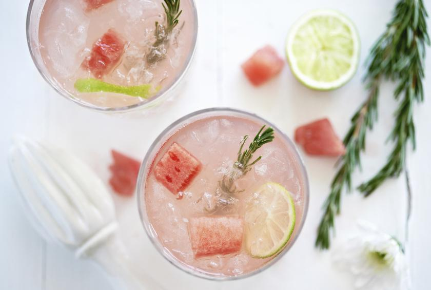 10 Waist Slimming Cocktails for Holiday Parties