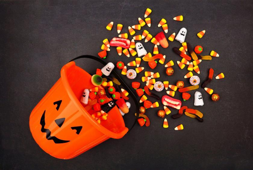 we rate popular halloween candies from worst to best
