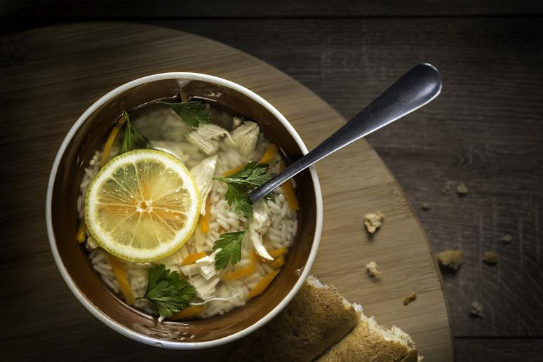 Slow Cooker Lemon Chicken and Orzo Soup