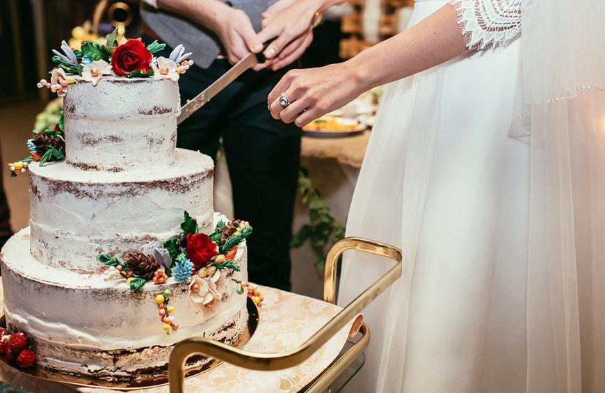 You Won T Believe How Wedding Cakes Have Changed Over The Years