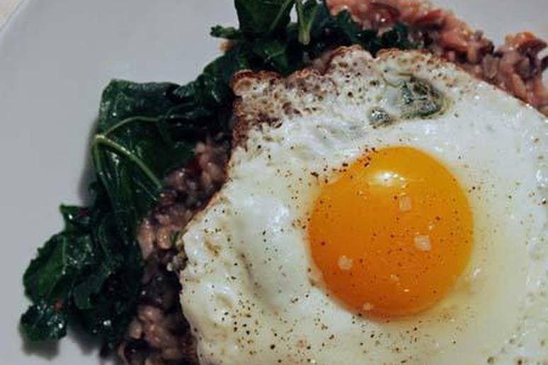 Fried Egg with Wild Rice and Kale