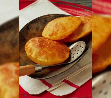 Gorditas Infladas (Fried Puffed Tortillas)