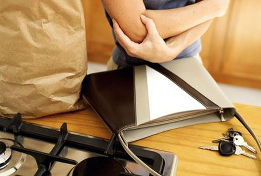6 Common Kitchen Injuries and How to Prevent and Treat Them