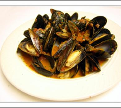Best mussels with sambuca recipes and mussels with sambuca cooking ideas mussels with sambuca and fresh basil recipe forumfinder Images