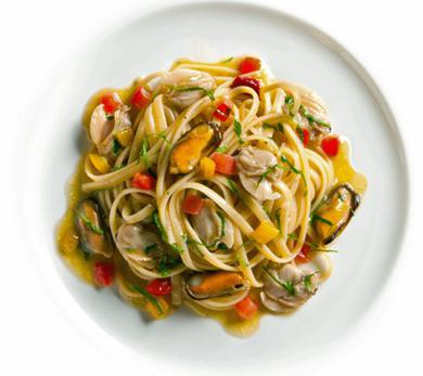 Linguine with Clams, Mussels, and Peppers