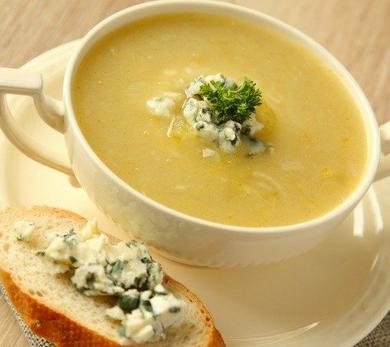 Creamy Onion, Leek, and Shallot Bisque