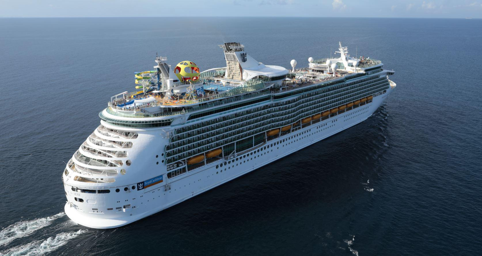 Review: Royal Caribbean's Mariner of the Seas Three-Day Weekend Cruise (thedailymeal.com)