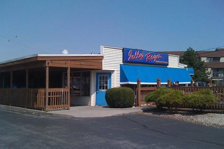 Jolly Rogers Seafood House, Port Clinton, Ohio