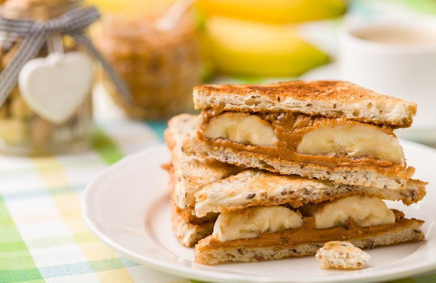 1 Hour Before a Workout: Eat Peanut a Butter Banana Sandwich on Whole-Wheat Bread